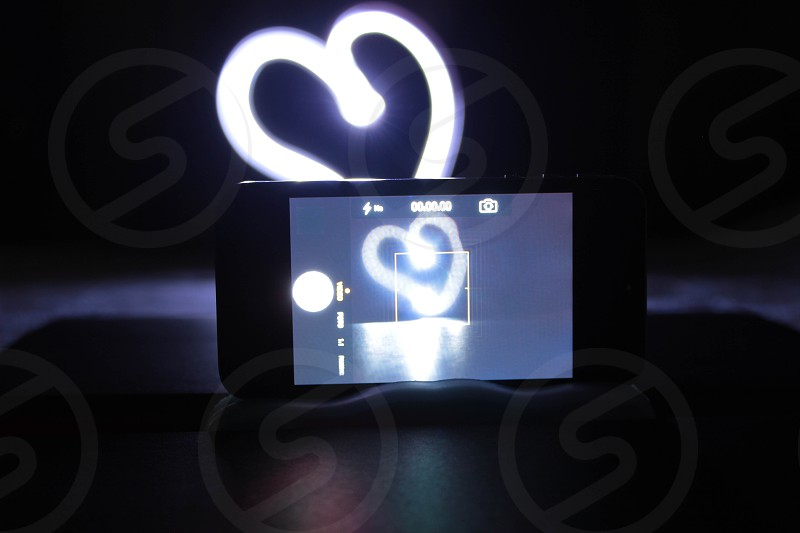 drawing a heart whit led flash & smartphone photo