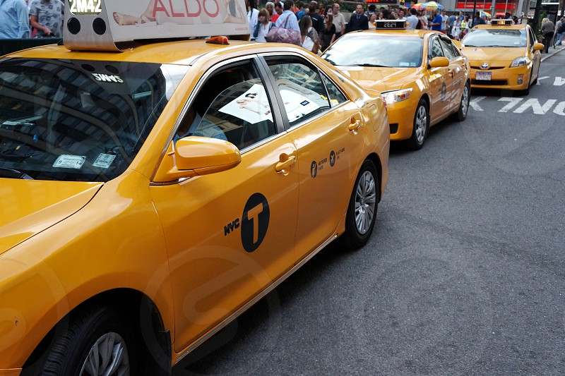 yellow taxi cab photo