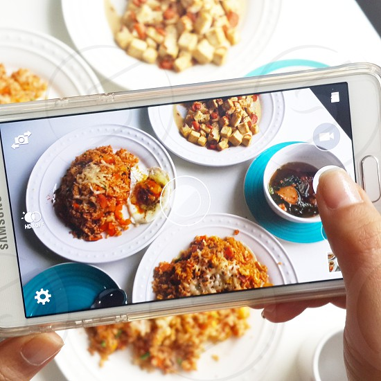 Now you can see how I take pics of my home food from my point of view 🙌 photo
