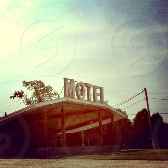 side of the road motel photo