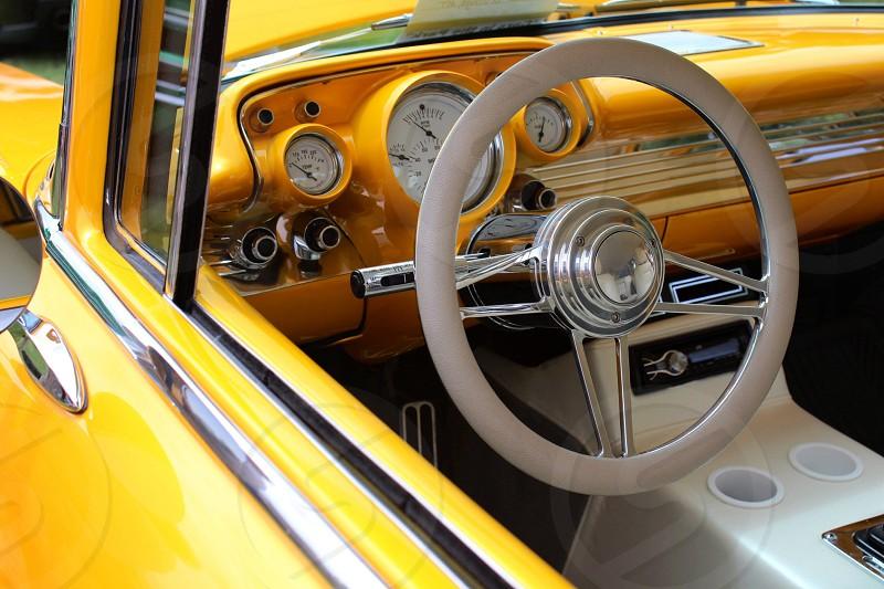 gray steering wheel photo