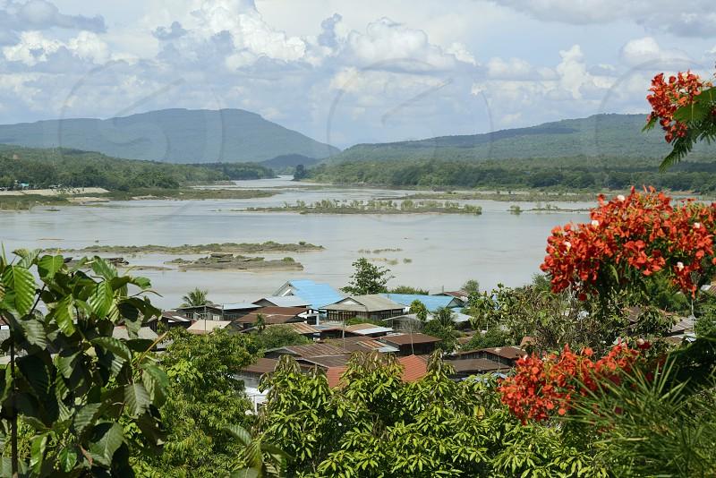 Sicht vom Tempel Wat Tham Khu Ha Sawan in Khong Jiam am Mekong River in der naehe des Pha Taem Nationalpark in der Umgebung von Ubon Ratchathani im nordosten von Thailand in Suedostasien. photo