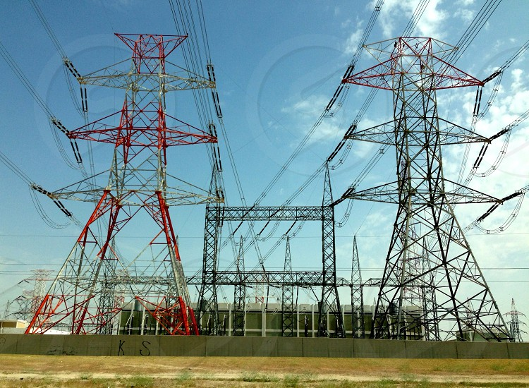 LisAm Tower electric power Leading line photo