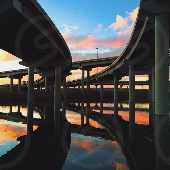 grey concrete freeway photo