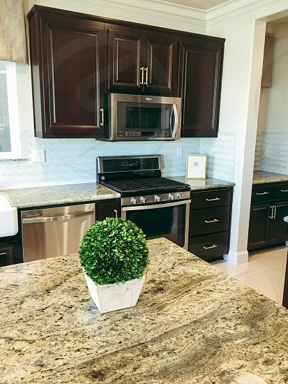 Minimalistic kitchen decor photo