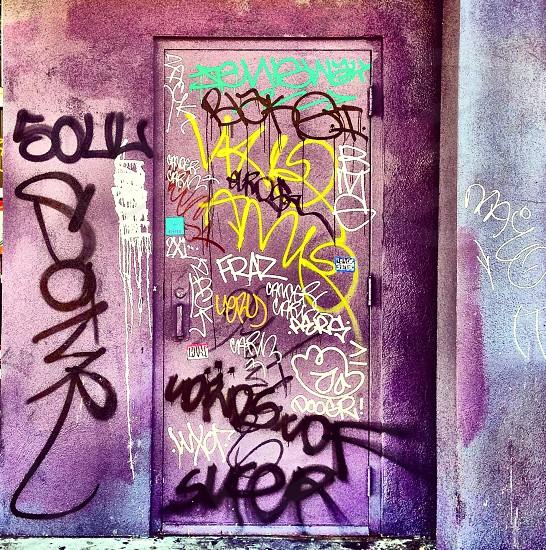 Graffiti door photo