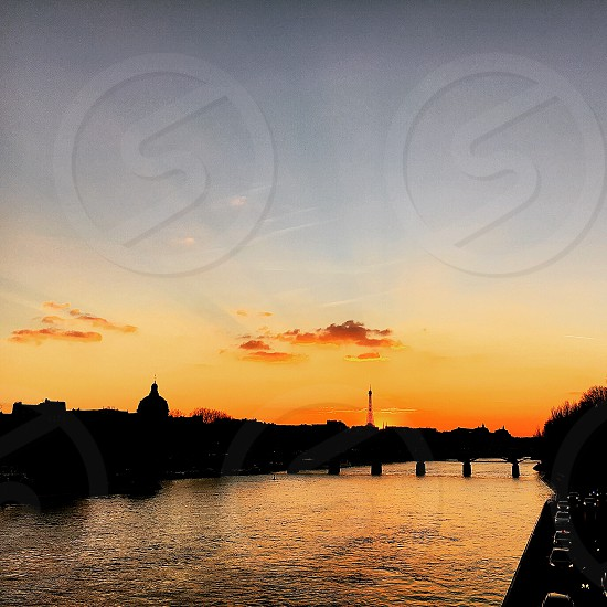 Paris sunset eiffel Hertz photo