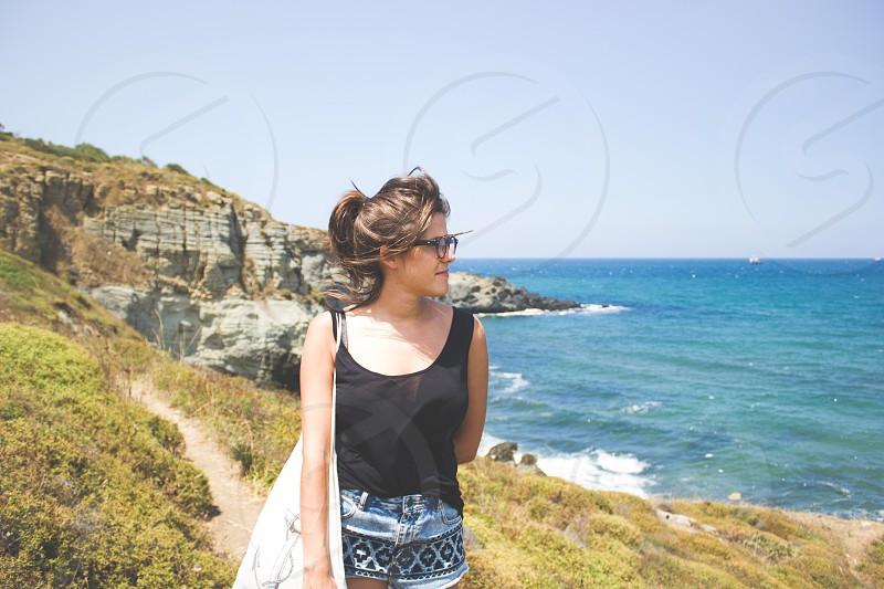 summer landscape beach cliff sea horizon people girl style glasses look photo