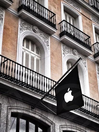 Apple Store Madrid photo
