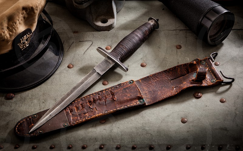 Very rare WWII Navy fighting knife. photo
