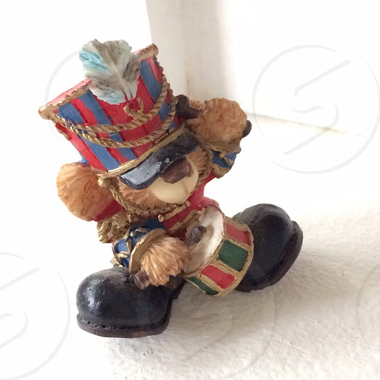Bear figurine; drum; London; UK; souvenir  photo