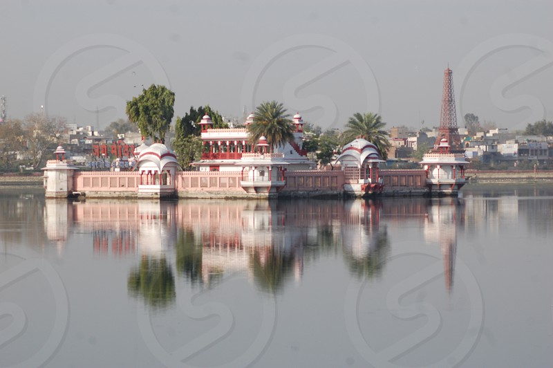 #Kota #India #Rajasthan #water #city #river #travel #traveling #visiting #instatravel #instago #tourism #building #architecture #reflection #house #outdoors #town #watercraft #daylight #boa photo