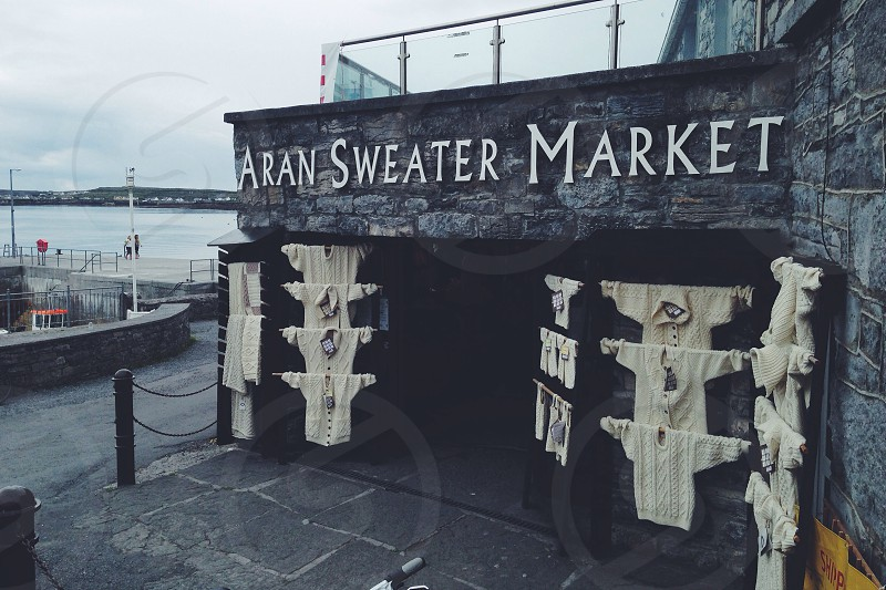 aran sweater market photo