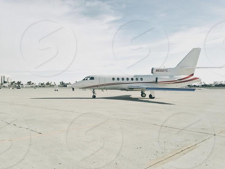 white airplane photo