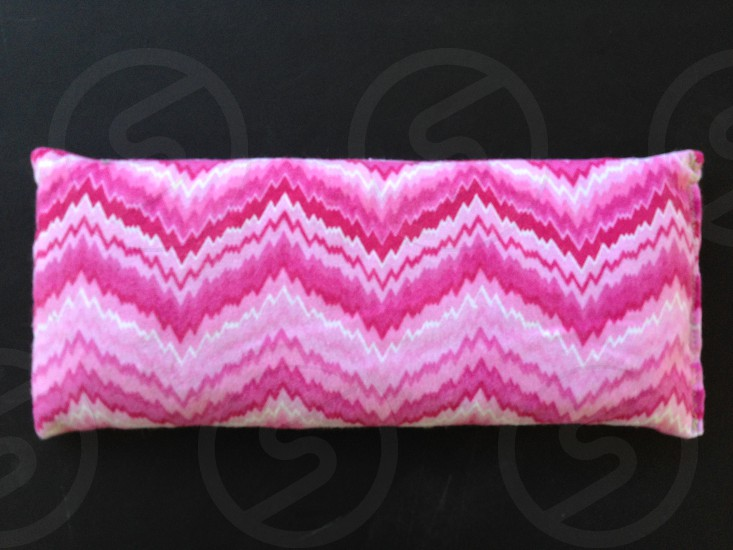 kernel relief microwavable corn bag pink zig zag bag photo