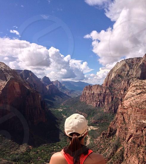 brown rock mountain view photo