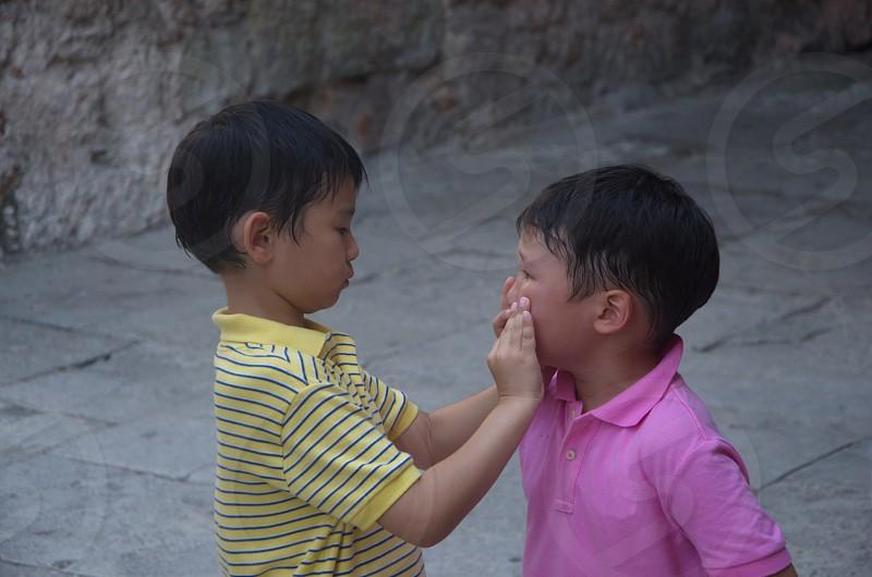 Conversationhelpchildrenslittleinnocencechildhood photo