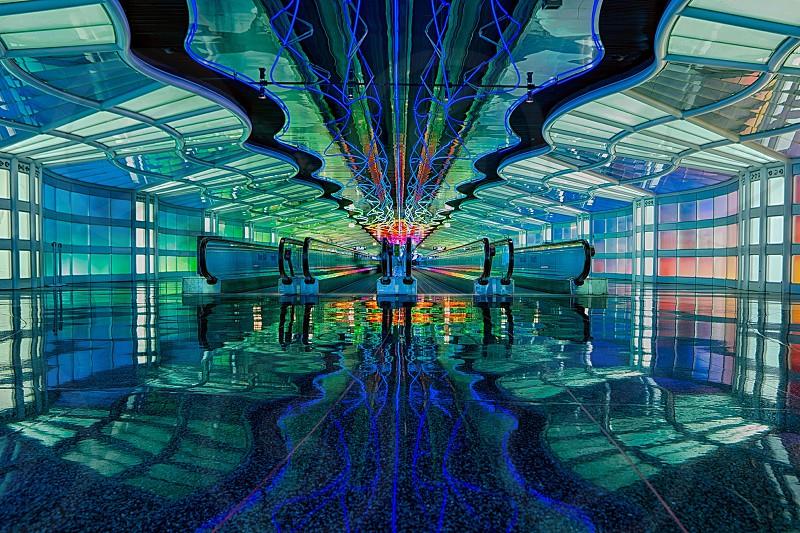 mirrored floor escalator photo