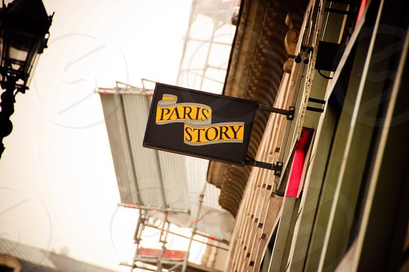 paris story signage photo