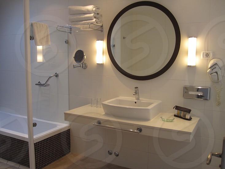 Bathroom wash basin mirror shower bath hygiene cleanse interior design photo