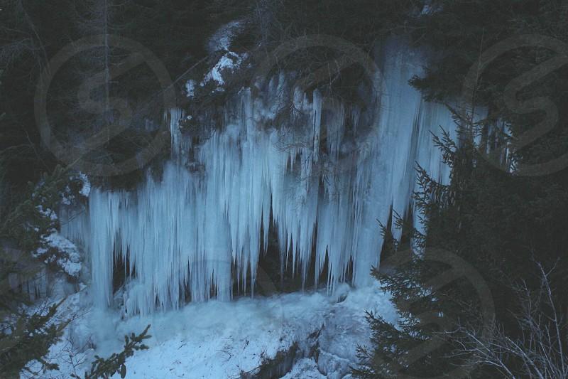 ice stalactites photo
