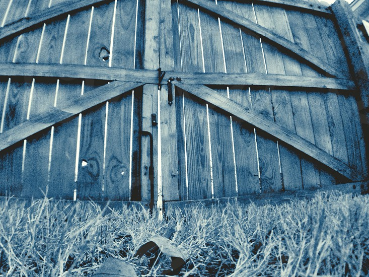 brown wooden fence photo