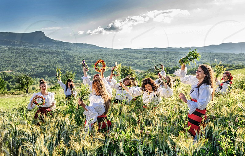 "The folk practices of Sânziene imply that the most beautiful maidens in the village dress in white and spend all day searching for and picking flowers (Lady's bedstraw or Yellow bedstraw) which in Romanian is also named ""Sânziànă"". Using the flowers they picked during the day the girls braid floral crowns which they wear upon returning to the village at nightfall.  photo"
