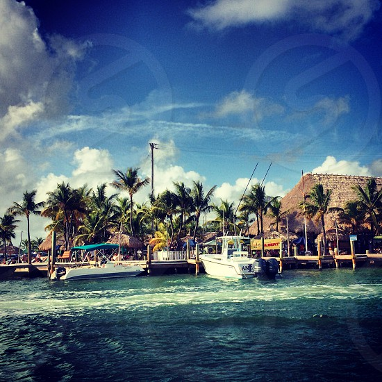 Gilbert's key largo marina and restaurant on the water photo
