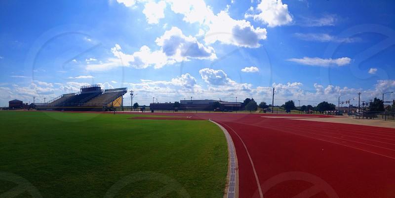 track field photo