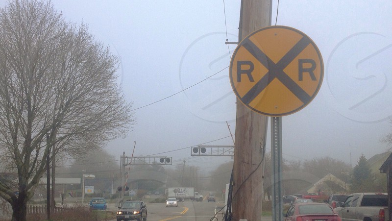 yellow r r sign photo
