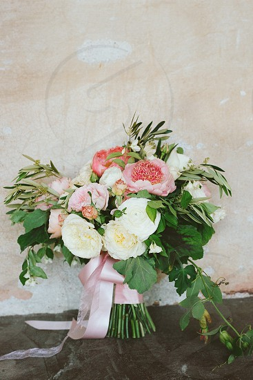 florals wedding bouquet bride photo
