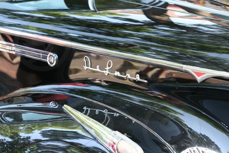 black deluxe car photo