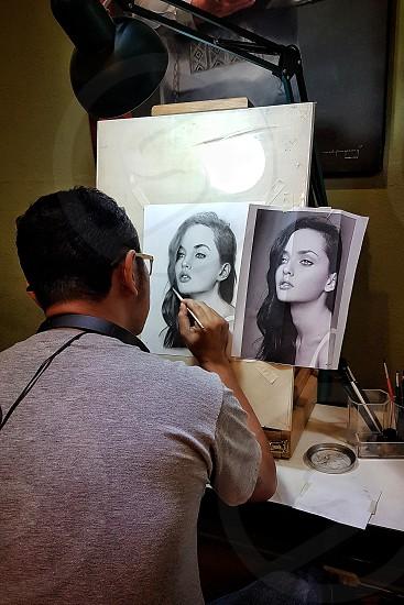 artist on the go photo