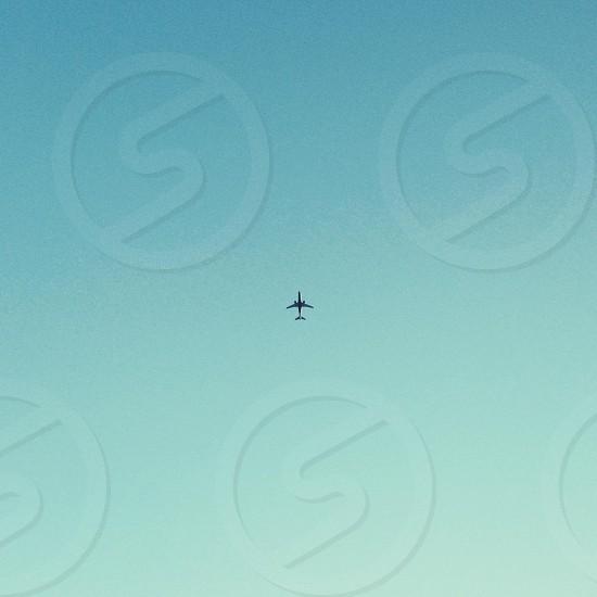 gray passenger airplane photo