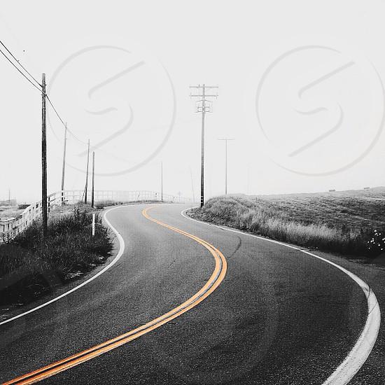 gray ashpalt road photo