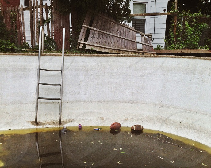 stainless steel swimming pool ladder photo