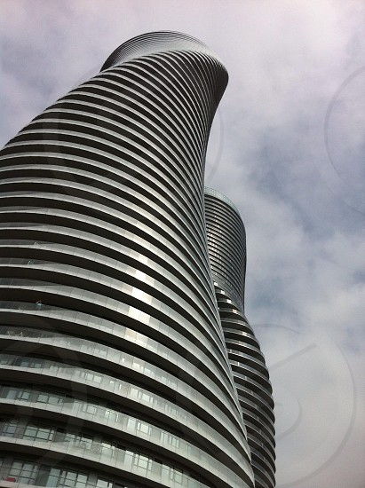 gray high rise building with spiral design photo