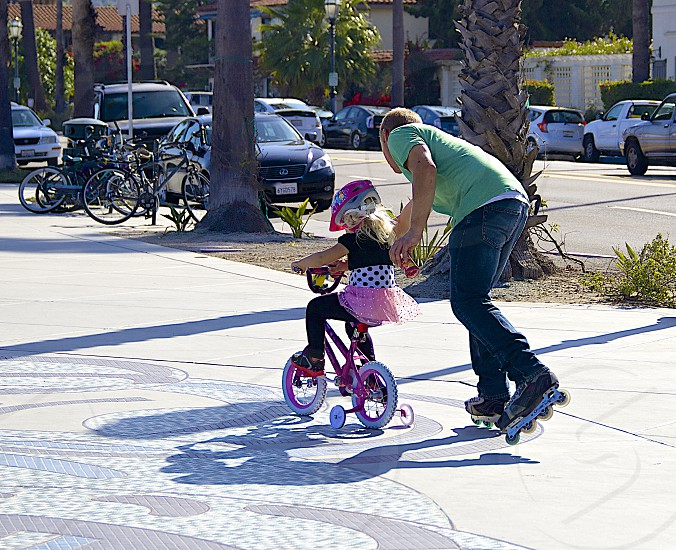 The best way to teach your child how to ride a bike. photo