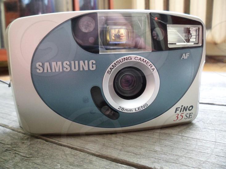 samsung blue and white fino 35 se photo