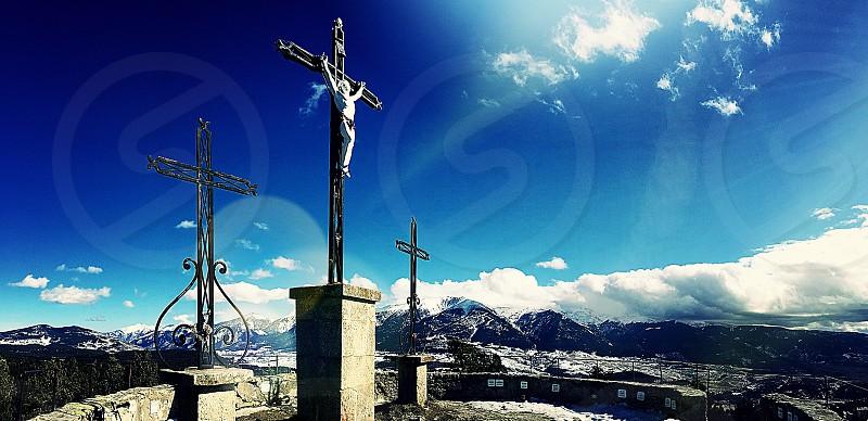 Pyrénées Pyrénées Orientales 66 France South of France Cerdagne Font Romeu Calvaire chemin de croix Jesus Christ croix cross mountain montagne ciel sky bluesky neige snow photo