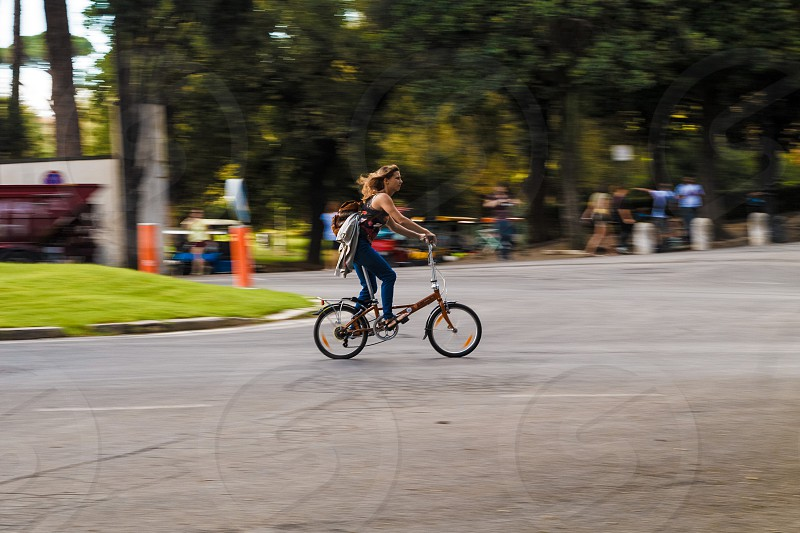 bike speed motion photo