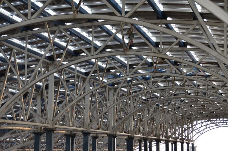 white metalic bridge photo