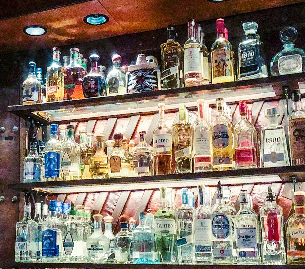 Barglass bottles tequilasalcoholic beverages bright photo