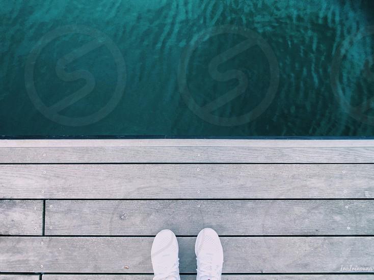 Minimal minimalist minimalism feet point of view white green water photo