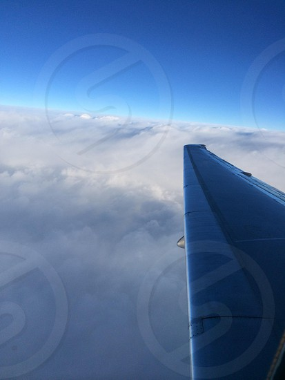 plane left wing photo