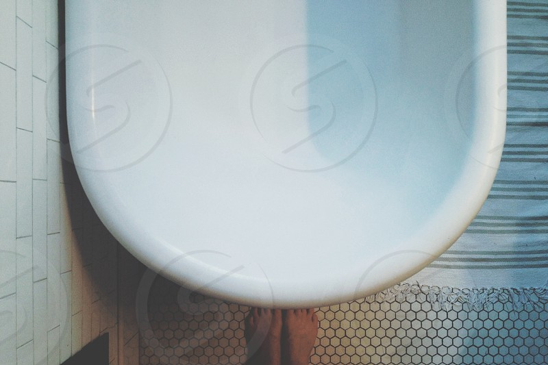 white ceramic tab photo