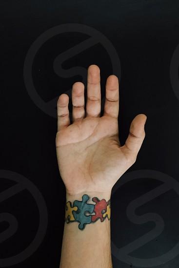 person's right palm photo