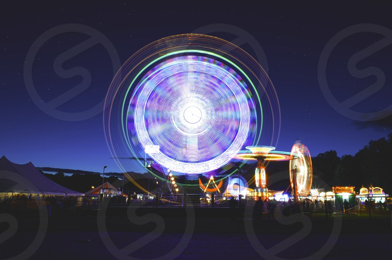 ferries wheel at night slow motion photo photo