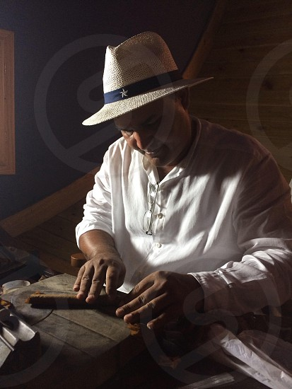 Rolling cigars photo