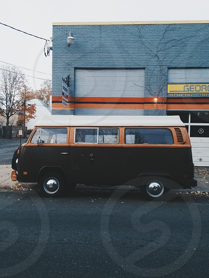 black Volkswagen minibus photo